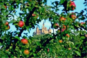 Burg Hohenzollern zur Apfelzeit © Burg Hohenzollern